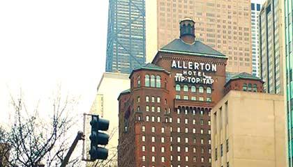 Capa do post sobre o Warwick Allerton Chicago
