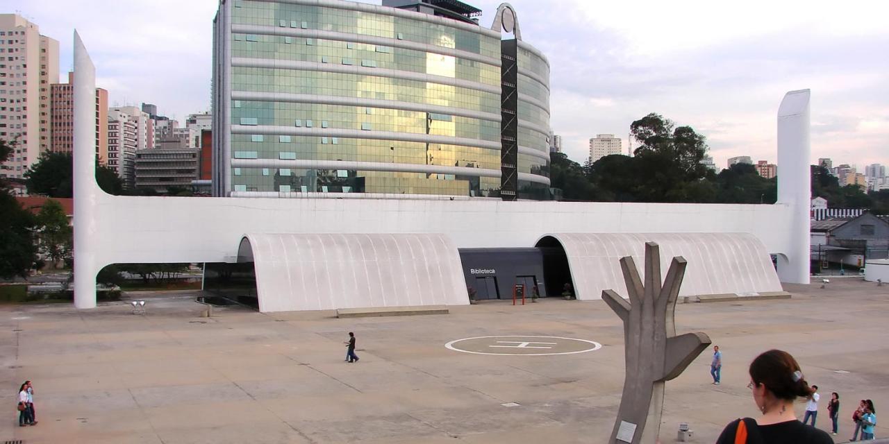 A biblioteca do Memorial da América Latina