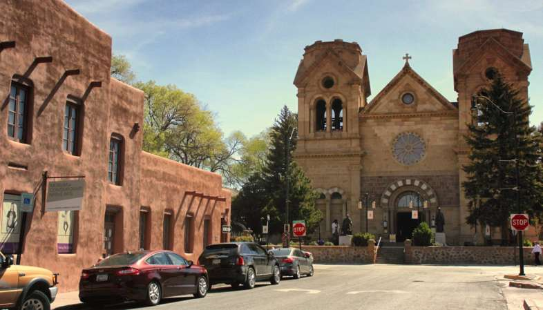 A Catedral de São Francisco de Assis é a principal igreja de Santa Fe no Novo México