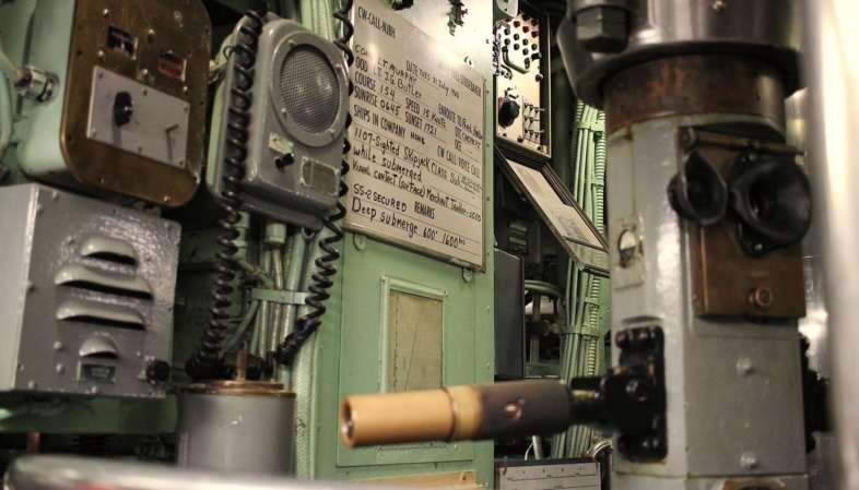 Ao entrar no Intrepid, também é possível visitar o submarino U.S.S. Growler