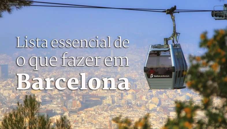 O Telefèric de Montjuïc com Barcelona ao fundo