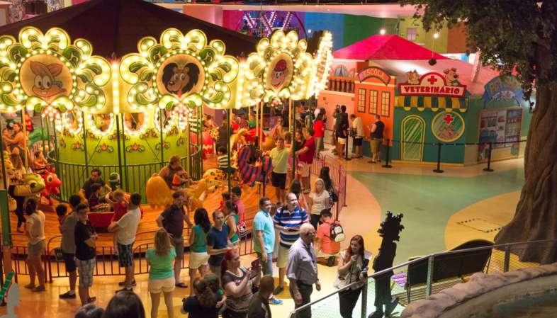 O Parque da Monica é coberto e fica dentro do Shopping SP Market