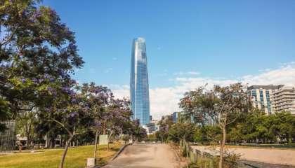 Sky Costanera visto do Parque de Las Esculturas